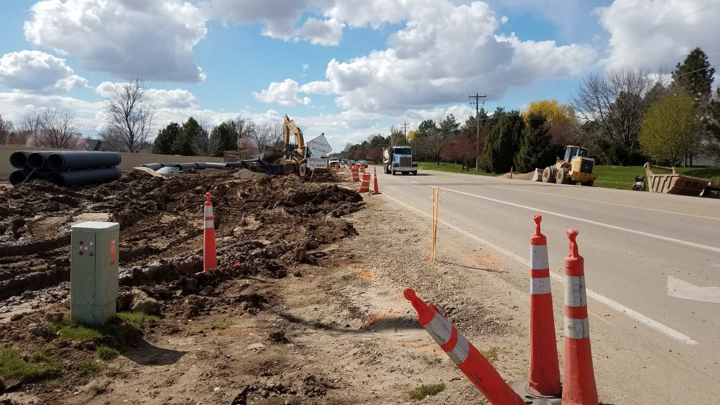 Southbound Eagle Road right turn lane from Eastbound Chinden closed during construction