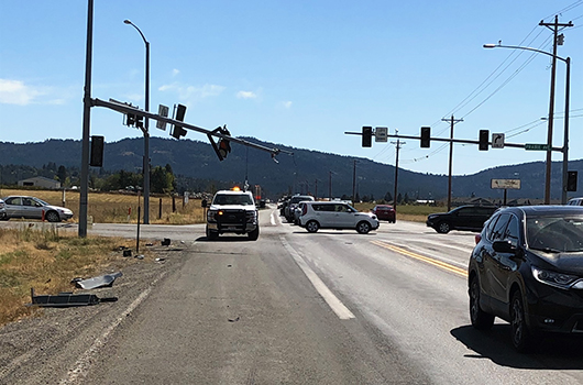 Signal damaged at Idaho Highway 41 and Prairie Avenue intersection, causing considerable congestion